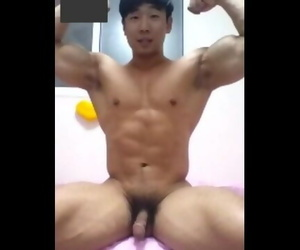 Korean Corporeality Guy_2